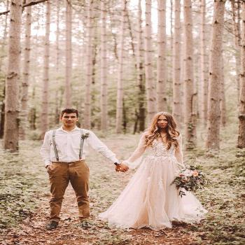 Ahh, cozy for this fall forest wedding editorial that is pretty ... Ahh, cozy for this fall forest