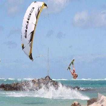 Find out all about Sharm El Sheikh kitesurfing holidays
