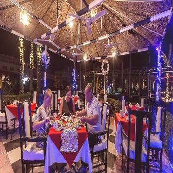 Ideal spot for romantic dinner....& super fresh Seafood delicacies ? .  ➖➖➖➖➖➖➖➖