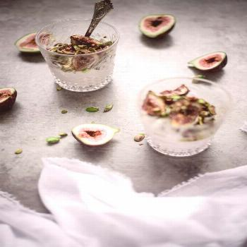 Photography Packages |  I adore figs! This delicious breakfast is made of coconut yoghurt, honey an