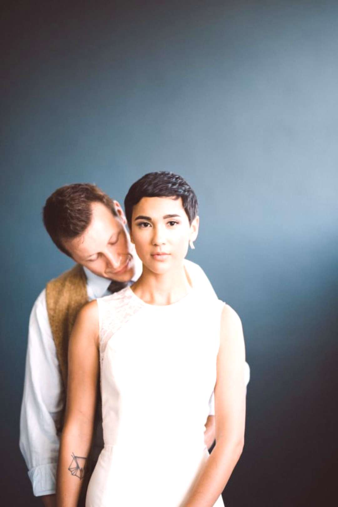 71 short-haired bridal style with geometric tattoo short-haired bridal style with geometric tattoo