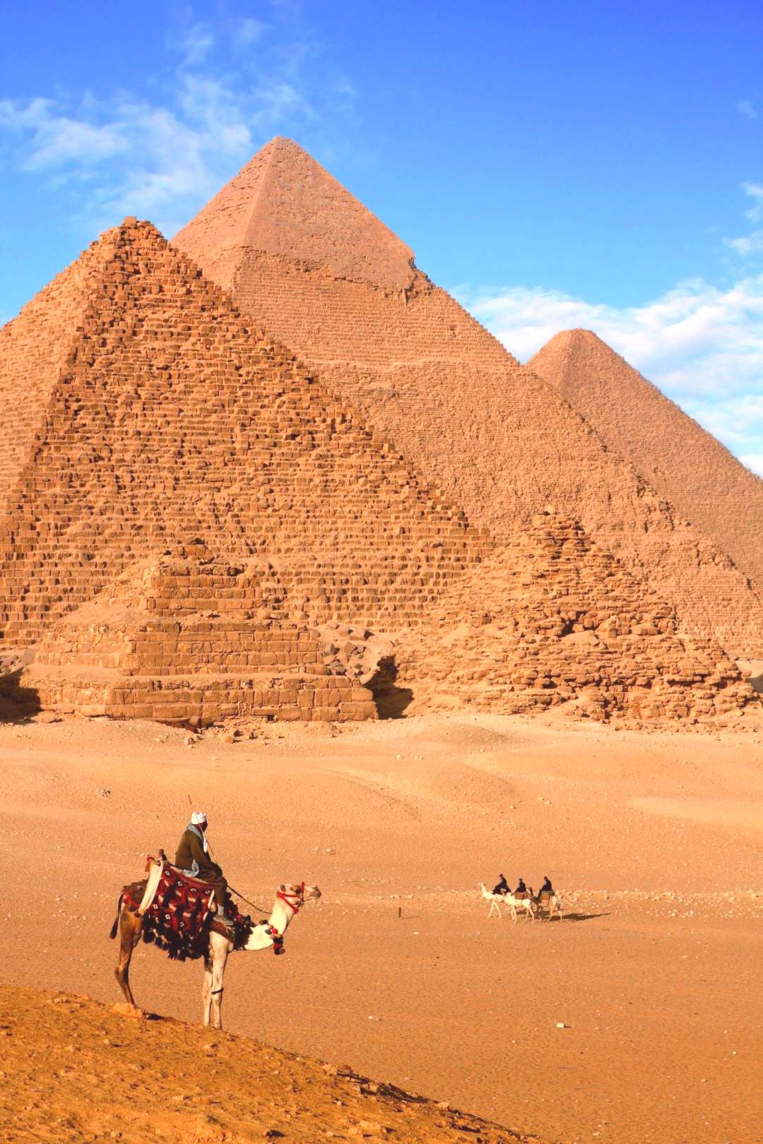 Day Trip from Hurghada to Pyramids by Plane - The Great Pyramids of Giza, one of the most magnific