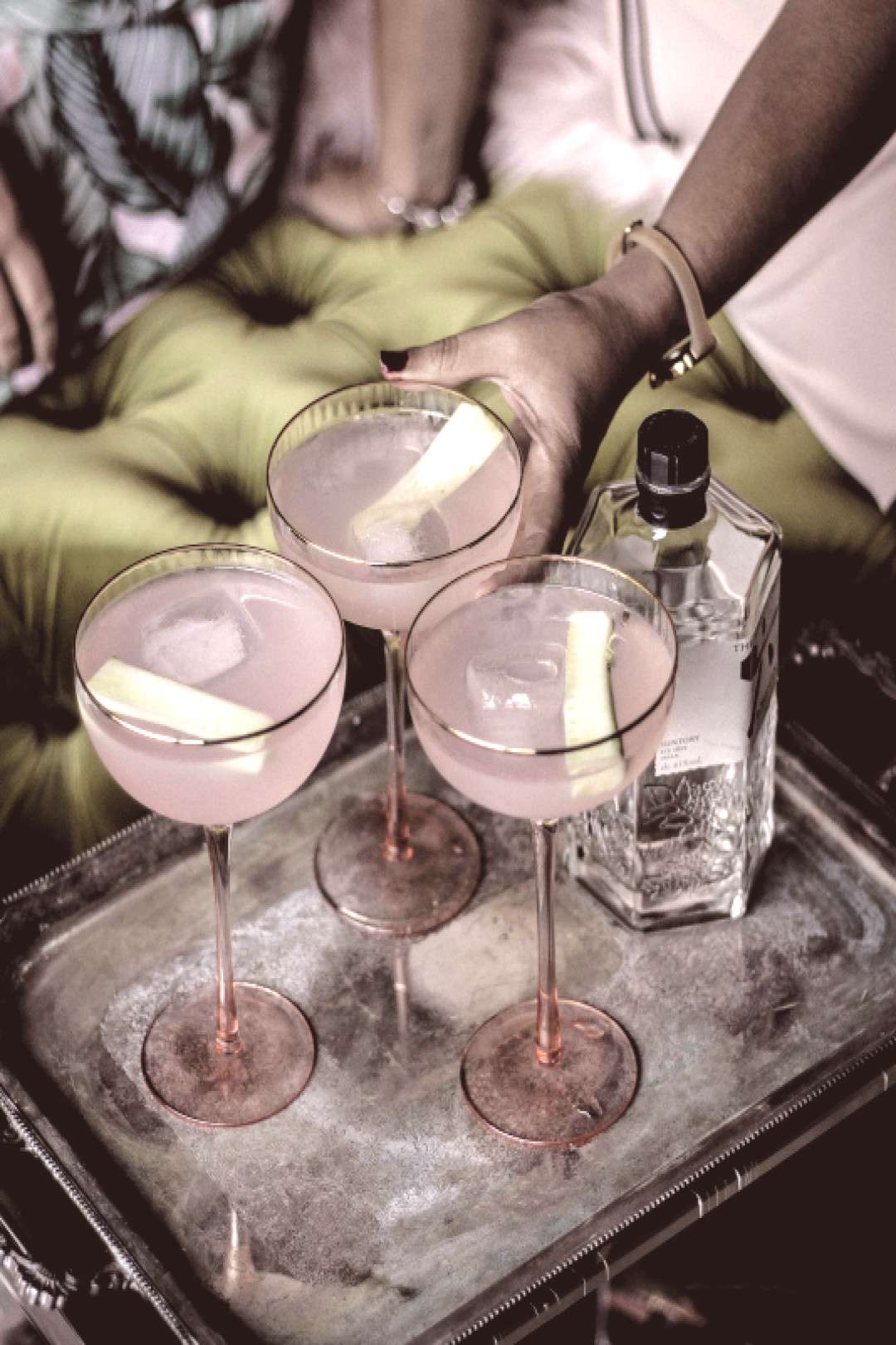 Girly drinks for warm weather. These cocktails are so refreshing and delicious.