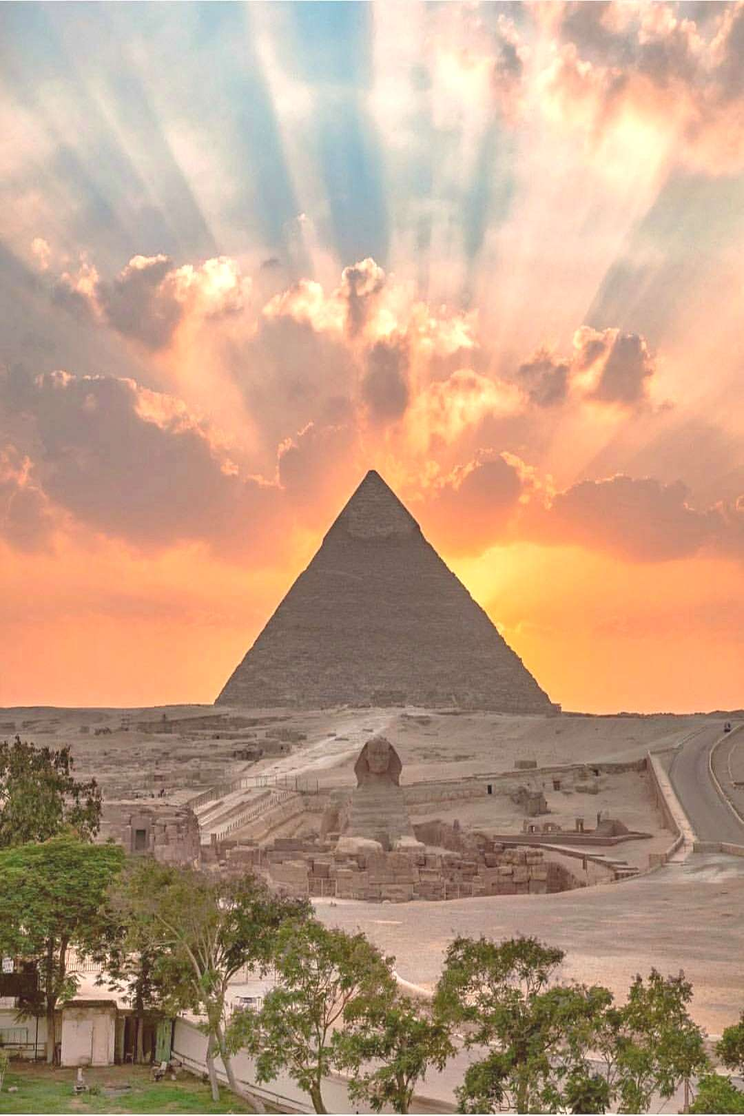 Sunset at the Giza Pyramid and Sphinx - Sunset at the Giza Pyramid and Sphinx -