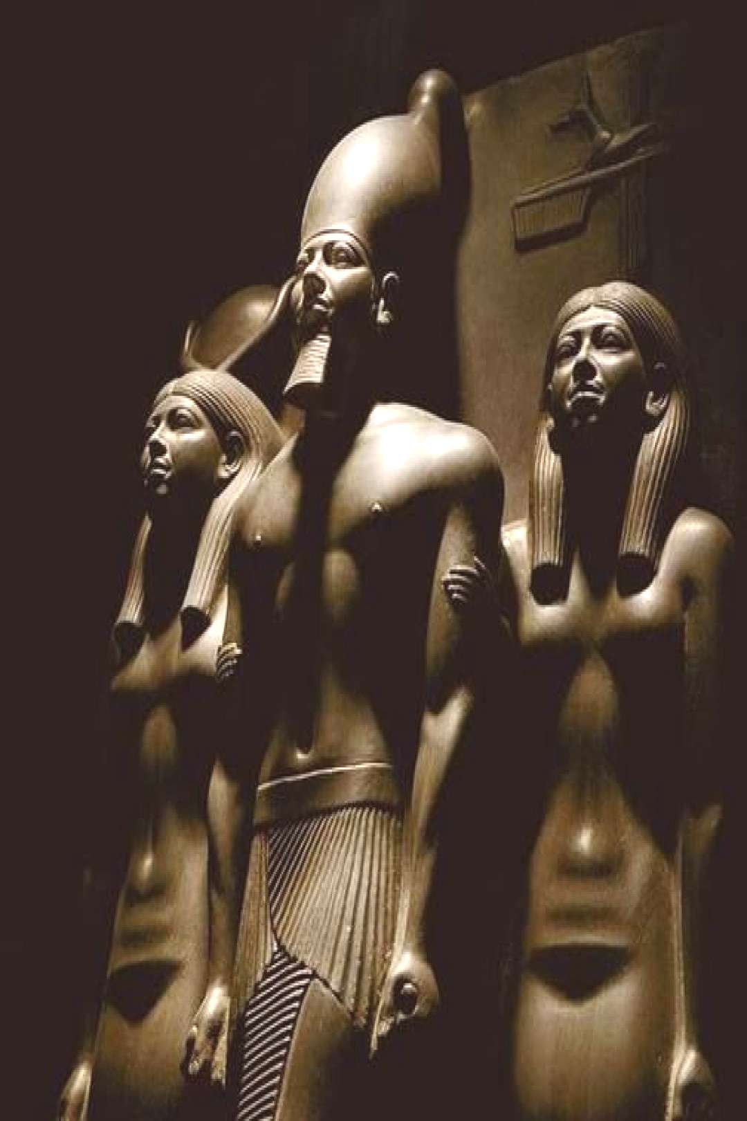 Trinity of Menkawre at the Egyptian Museum in Cairo Trinity of Menkawre Are some of the great pie