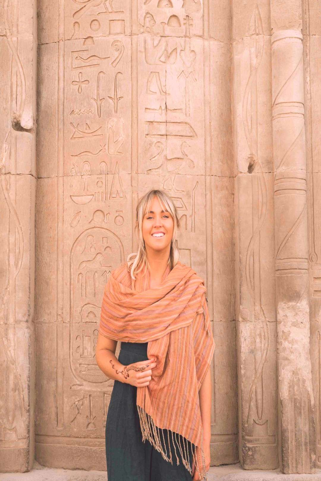WHAT TO WEAR IN EGYPT | PACKING TIPS FOR TRAVELLERS | Flying The Nest -  -